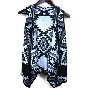 Charming Charlie Womens Sweater, Black Aztec Med